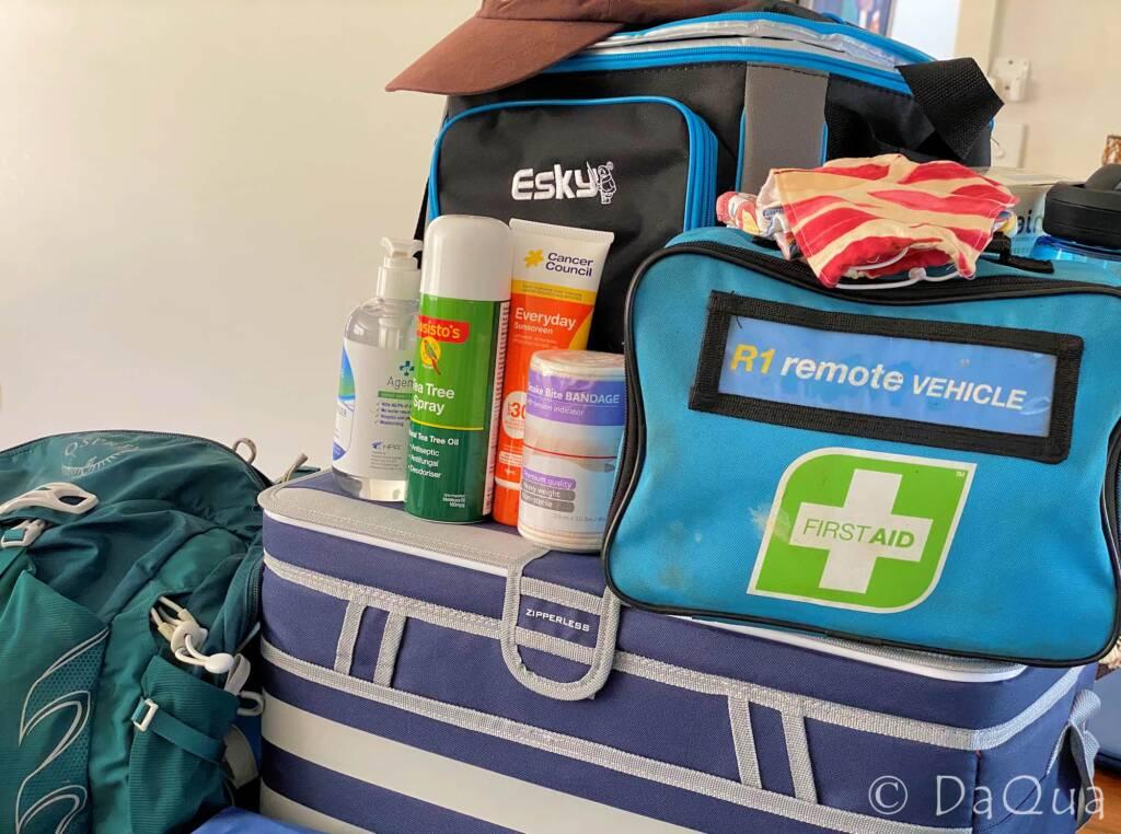 Emergency and travel kit © DaQua