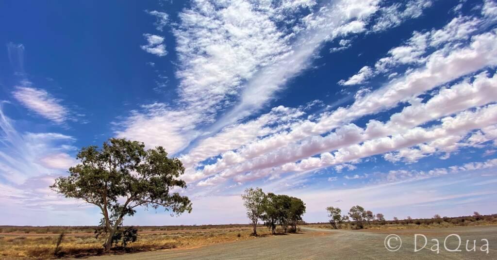 Natural cloud vapour trails over Central Australia © DaQua