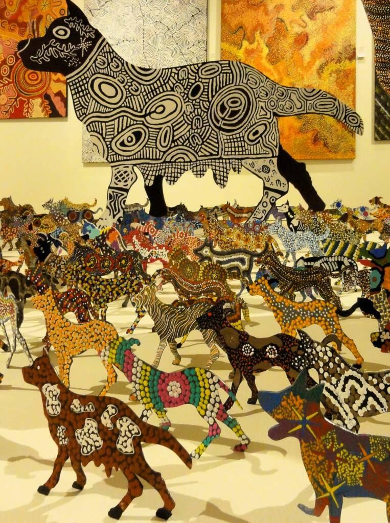 Maliki ngulalu ngurrju-manu - Art Centre- la Warlukurlangurla by the Warlukurlangu Collaborative
