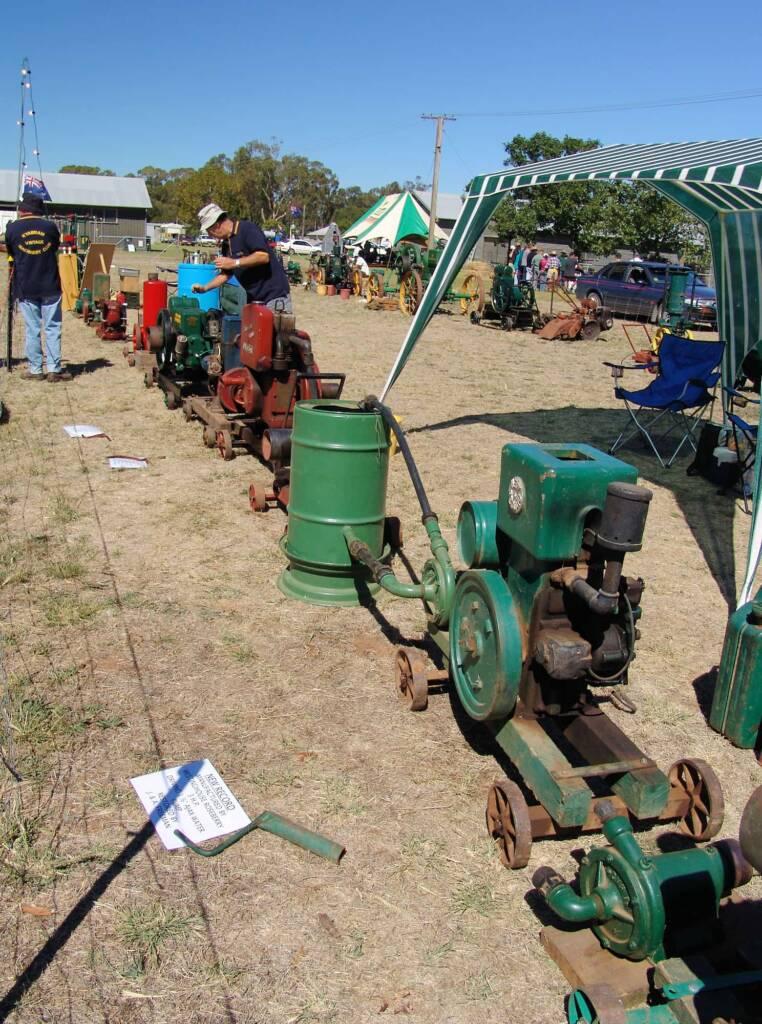 Vintage engines at the Kyabram Engine Rally (2006)