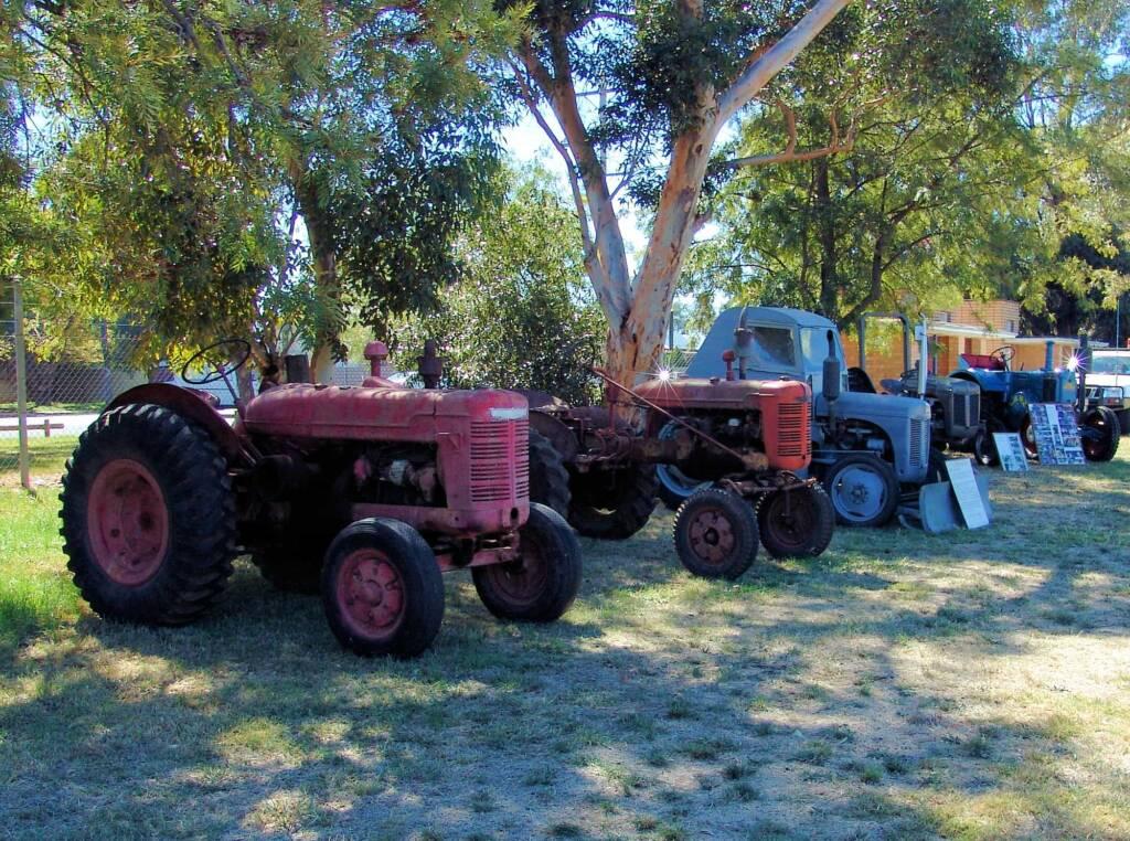Kyabram 2006 Engine Rally - vintage / restored tractors