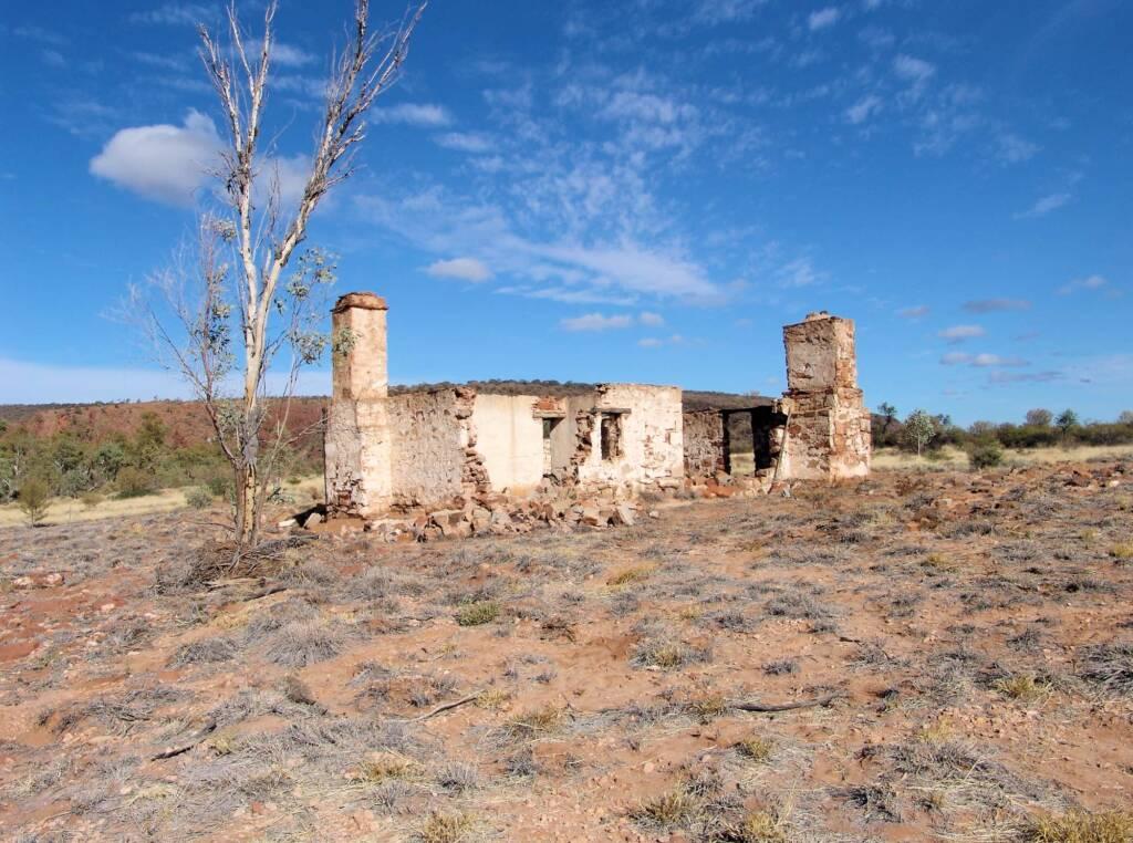 Old Owen Springs Homestead Ruin