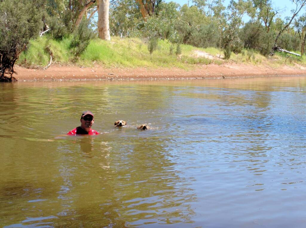 Pet friendly Redbank Waterhole, Owen Springs Reserve, NT
