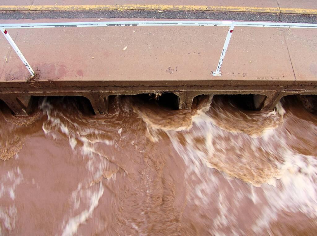 Storm drain under the Wills Terrace and Undoolya Road Main Causeway, Alice Springs, 23 Feb 2010