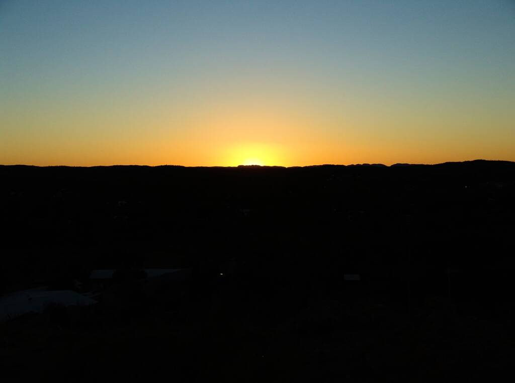 Sunrise from Anzac Hill, Alice Springs