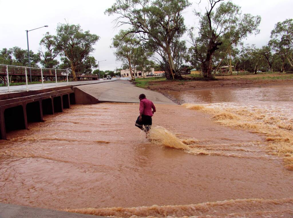 Todd River flowing under Undoolya Road, Alice Springs, 2007