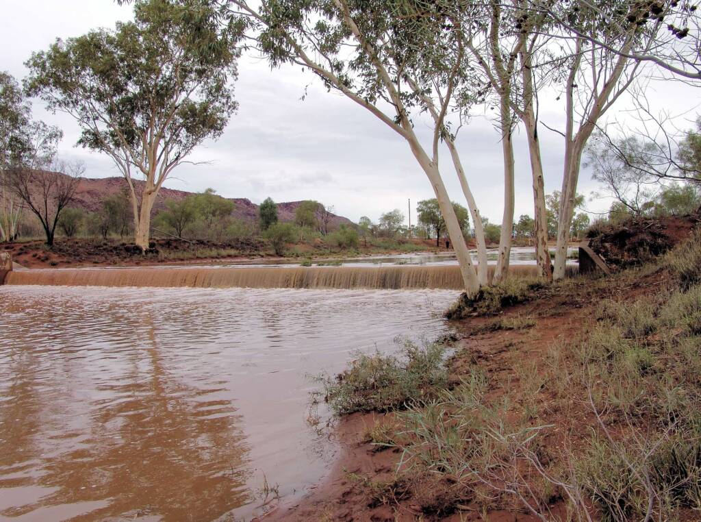 Chinamans Creek running parallel to Bradshaw Drive, Mount Gillen in the background, Alice Springs, 9 Jan 2010